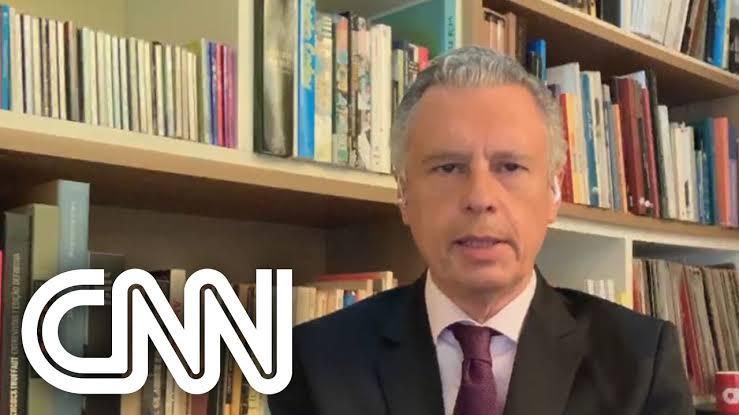 """Apresentador da CNN diz que conversou com ministro do STF e escutou: """"Bolsonaro grita, mas nós que balizamos o governo"""
