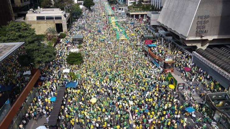 """SP, Brasília, Rio, BH e mais de 500 cidades no Brasil devem fazer fazer manifestações pelo voto impresso auditável """"deverão ocorrer as maiores manifestações que o Brasil já viu desde o impeachment de Dilma"""""""