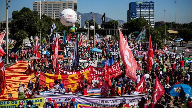 Manifestante com soco inglês e mais cinco pessoas são detidas em protesto contra Bolsonaro