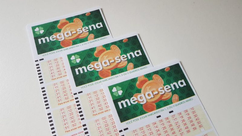 Mega-Sena acumula e pode pagar R$ 12 milhões