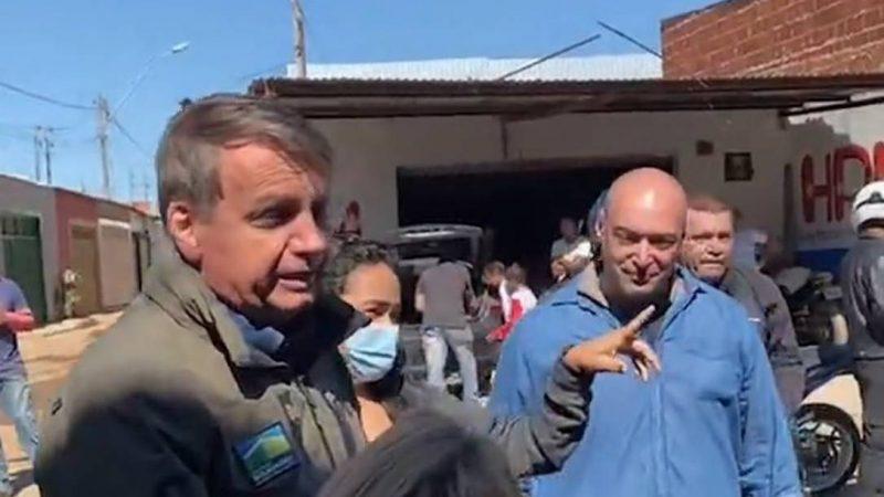 """Em passeio de moto pelo DF, Bolsonaro é recebido pela população como """"celebridade"""", VEJA VÍDEO"""