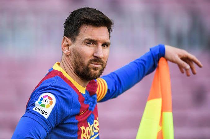 Torcedor do Barcelona aciona Justiça para impedir ida de Messi para o PSG