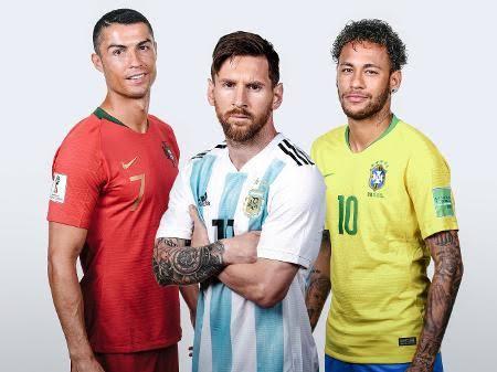 Jornal crava CR7 rumo ao PSG e trio dos sonhos com Neymar e Messi