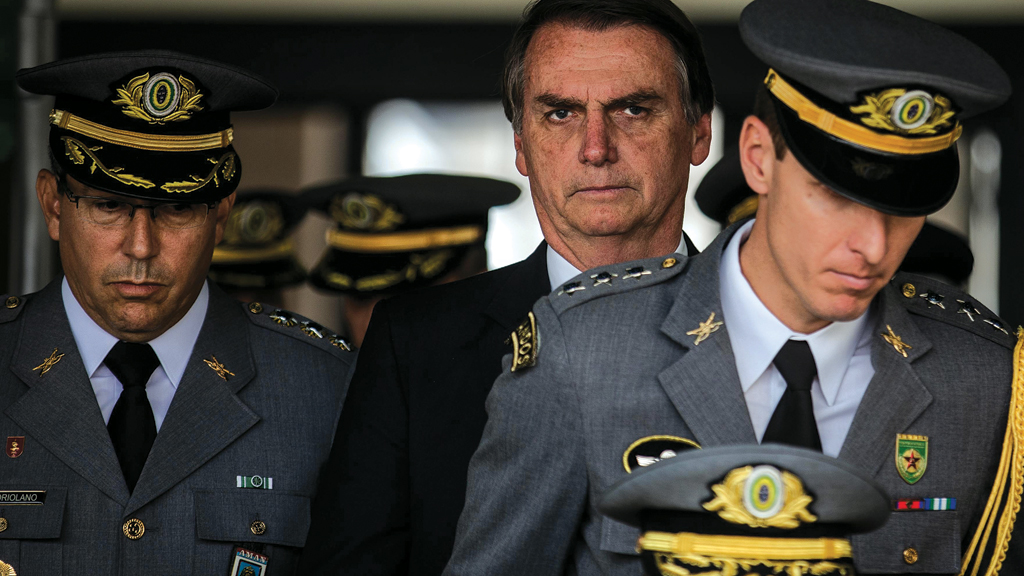 Cúpula das Forças Armadas apoia Bolsonaro por conta da imprudência do STF, afirma site