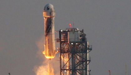 Elon Musk e Jeff Bezos já estão brigando por causa da lua; entenda
