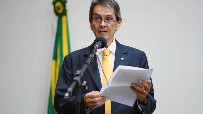 URGENTE: Roberto Jefferson passa mal, é internado em UPA, defesa tenta transferência