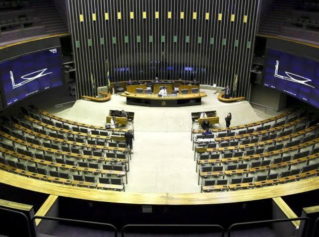 Câmara rejeita fim do segundo turno presidencial