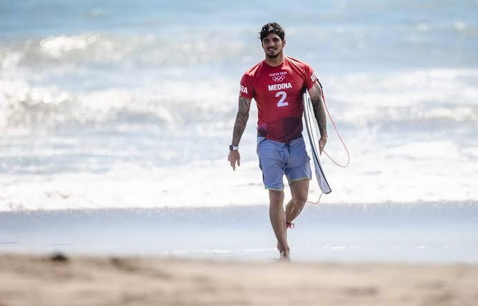 Gabriel Medina vai perder etapa do Mundial de surfe por se recusar tomar vacina contra Covid-19