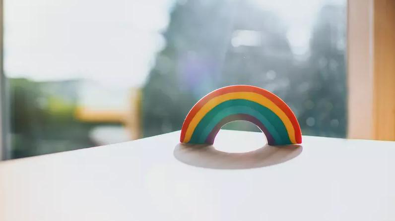 Hungria restringe vendas de livros infantis com temática LGBT