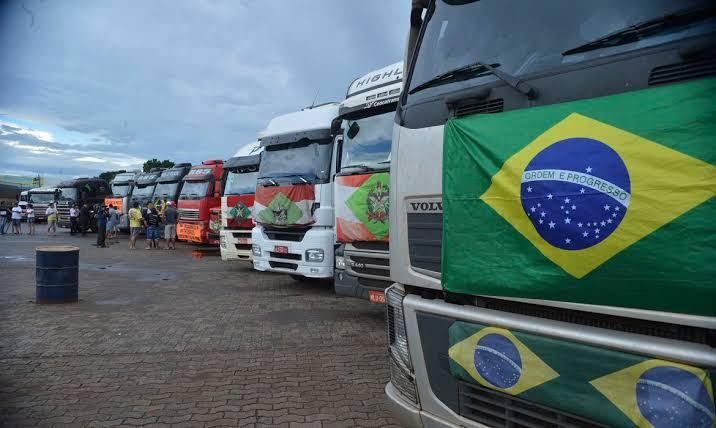 Número de caminhoneiros empregados 'disparou' desde posse de Bolsonaro