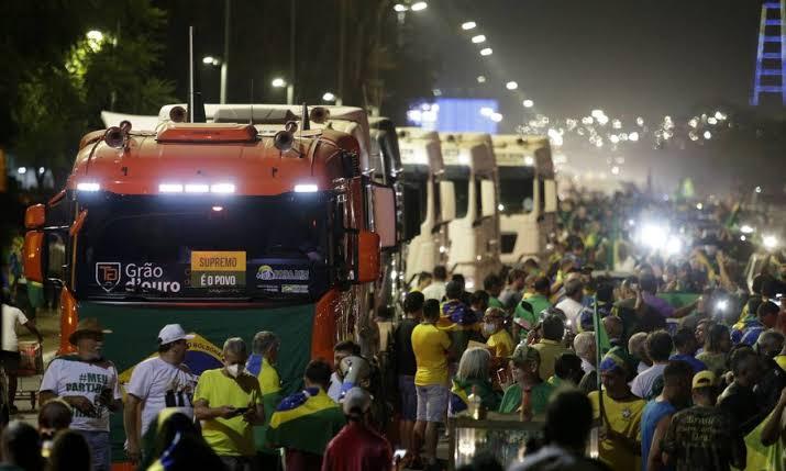 'Pequena prévia': PM libera e apoiadores de Bolsonaro lotam a Esplanada na véspera dos atos de 7 de setembro; VEJA VÍDEO