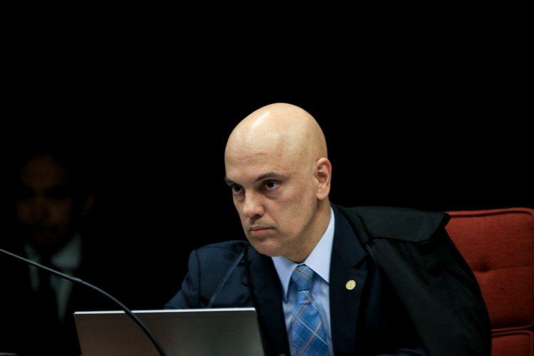 Moraes prorroga por mais 90 dias inquérito contra Bolsonaro