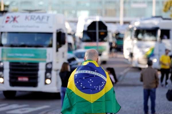 BOMBA: Confederação Nacional libera caminhoneiros para manifestações de 7 de setembro