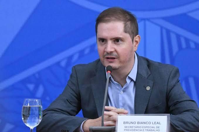 AGU testa positivo e é terceiro ministro confirmado com Covid-19 na semana