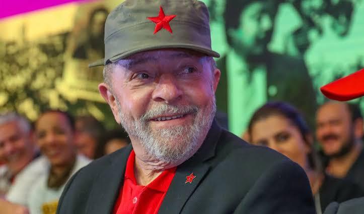 Justiça arquiva investigação contra Lula e demais investigados por tráfico de influência a favor da OAS