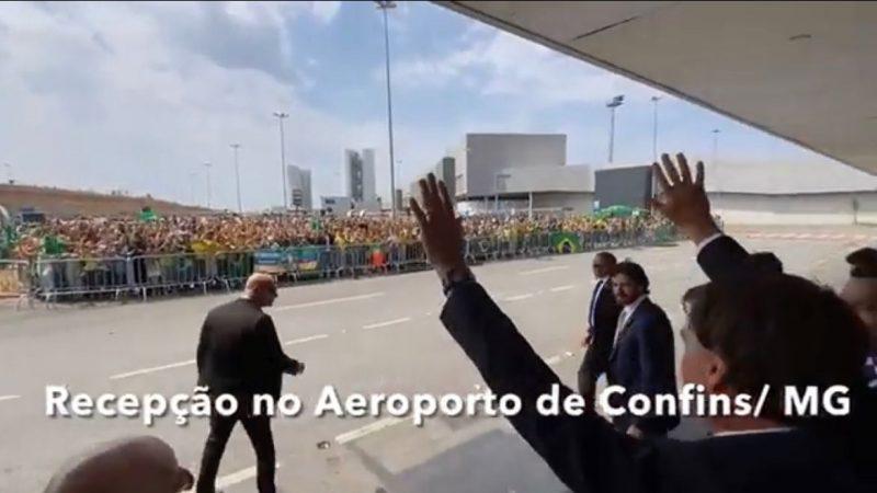 Milhares de pessoas recebem Bolsonaro em Minas Gerais, VEJAM VÍDEO