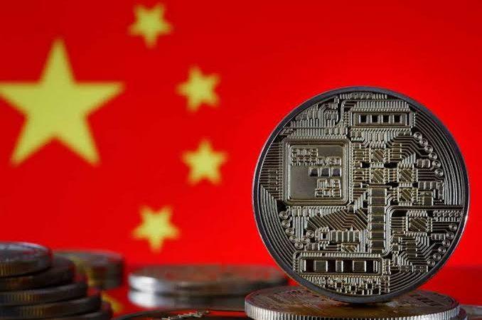 'Controle' monetário: China declara transações com criptomoedas ilegais