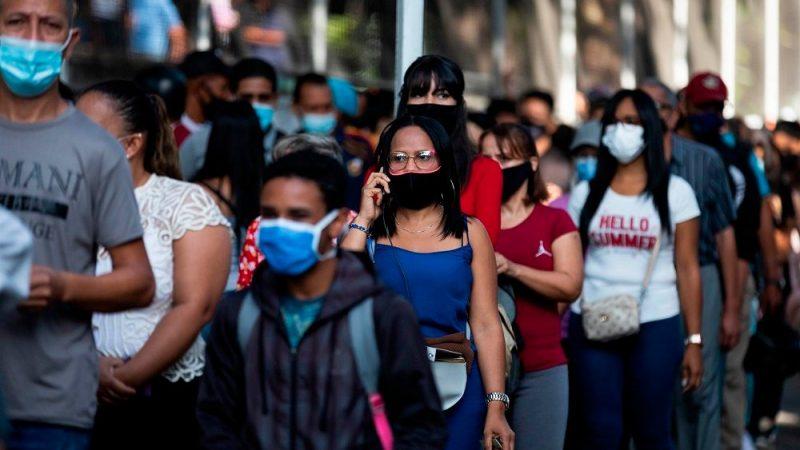 Com apenas 15% da população completamente vacinada, Venezuela tem explosão de casos de Covid-19
