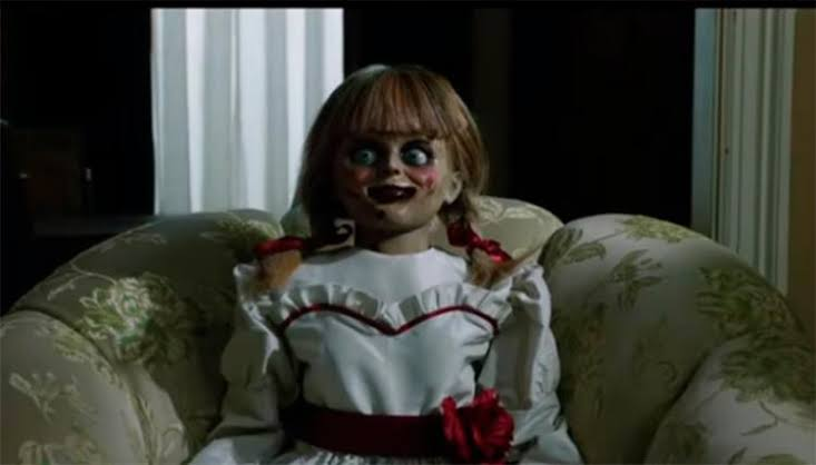 Empresa vai pagar R$ 6,8 mil para alguém assistir a 13 filmes de terror; VEJA LISTA