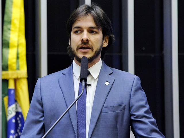 Presidente de instituto do PSDB afirma que partido não deve fazer oposição a Bolsonaro