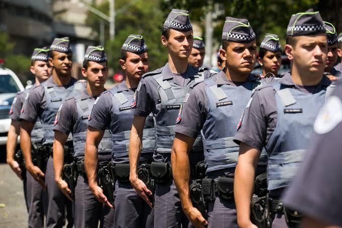 PEC da reforma administrativa prevê aposentadoria integral para policiais