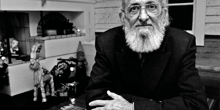 Justiça proíbe governo federal de 'atentar contra honra e dignidade' de Paulo Freire