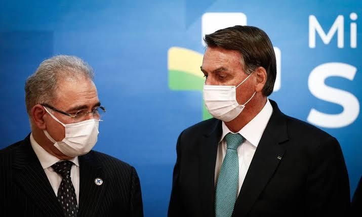 Ministro Queiroga atrasa a desobrigação de máscaras por medo da imprensa
