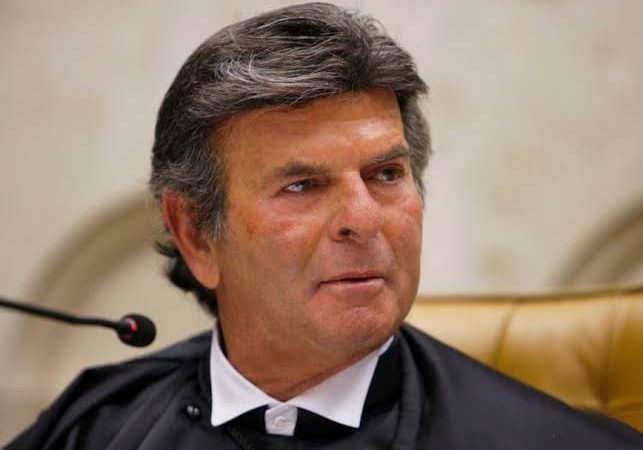 Urgente: STF derruba decisão do TJRJ e manda voltar passaporte da vacina no Rio