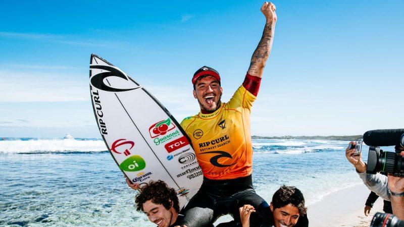 Gabriel Medina é tricampeão mundial de surfe