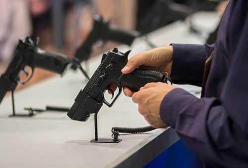 Entre 2018 e 2021, armamento de cidadãos comuns triplica