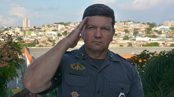 """Major sobe o tom e critica 'quarentena' para militares: """"Desrespeito aos que fazem juramento de sacrifício da própria vida""""; VEJA VÍDEO"""