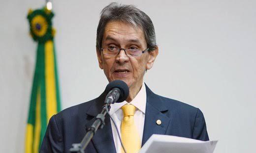 Roberto Jefferson pede licença da Presidência do PTB