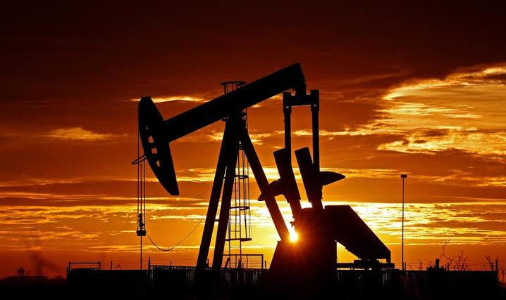 Valor do petróleo dispara e atinge maior alta em três anos