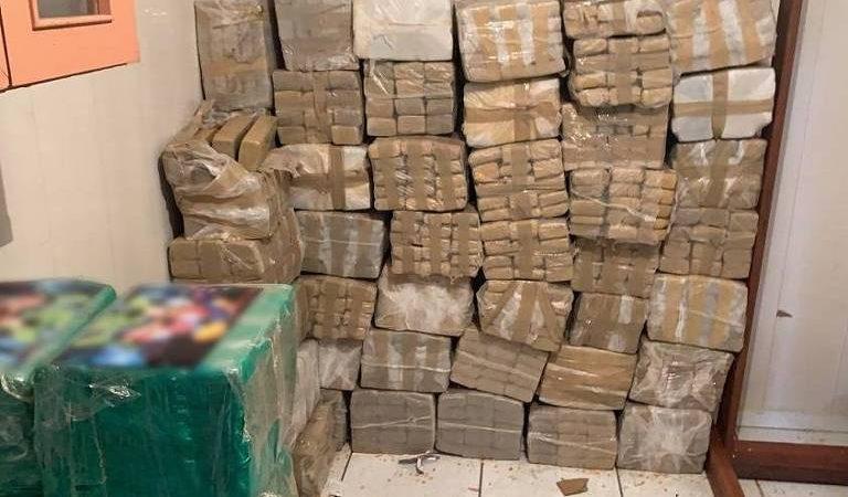 Trio flagrado com 2,4 toneladas de maconha pega pena de serviço comunitário em SP