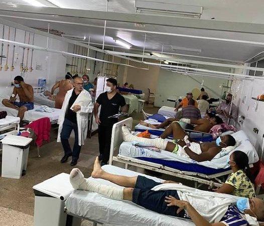 """Médico compara hospital do RN a """"praça de guerra"""" ao postar foto de leitos sem divisórias"""