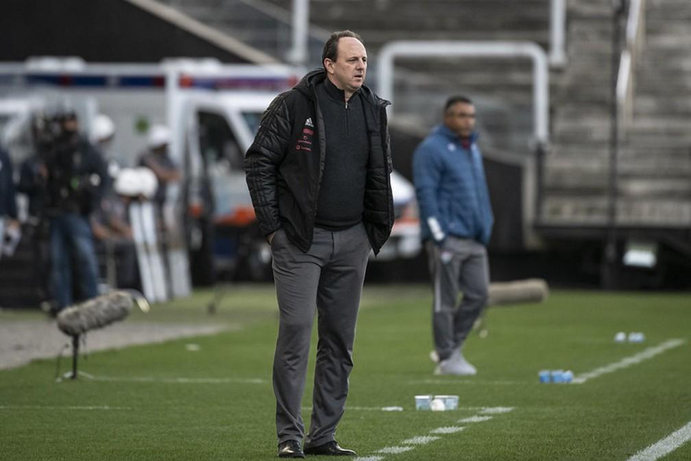 São Paulo demite Crespo e contrata Rogério Ceni para o cargo