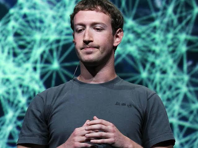 Zuckerberg é cobrado por funcionários após denúncias polêmicas