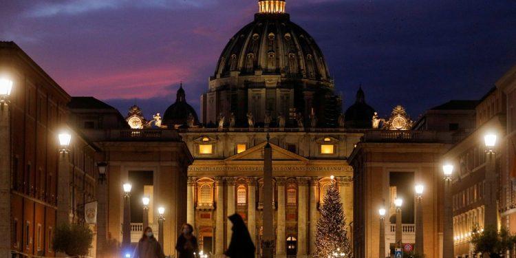 Vaticano absolve padres em caso de estupro em residência de crianças e adolescentes