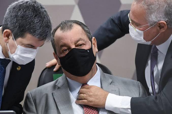 CPI da Covid vota relatório final de Renan Calheiros amanhã