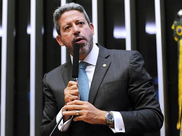 Arthur Lira: ICMS cobrado pelos governadores é o vilão do aumento dos preços dos combustíveis