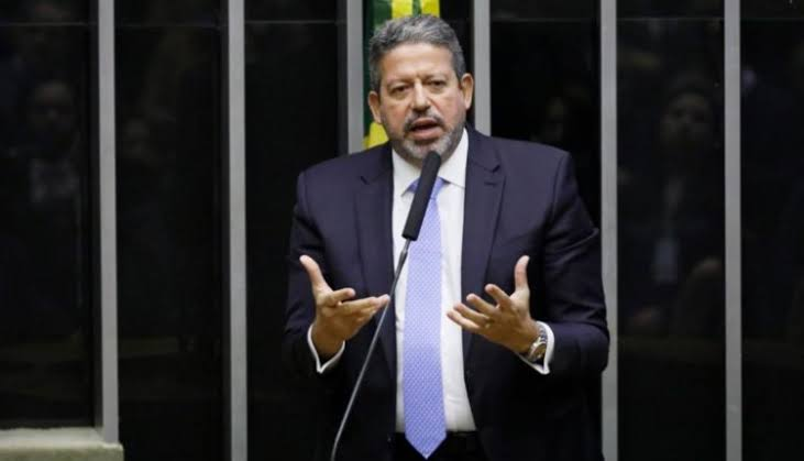 Arthur Lira descarta 'impeachment' de Bolsonaro