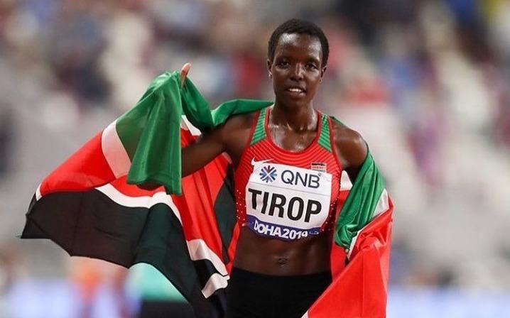 Corredora queniana Agnes Tirop é encontrada morta a facadas em casa