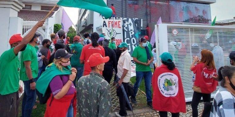 Parlamentares acionam PF contra vandalismo do MST na Aprosoja, em Brasília