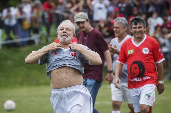 Lula trapaceia em jogo de Futebol, VEJA VIDEO